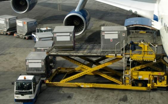 Loading-Cargo1-564x350